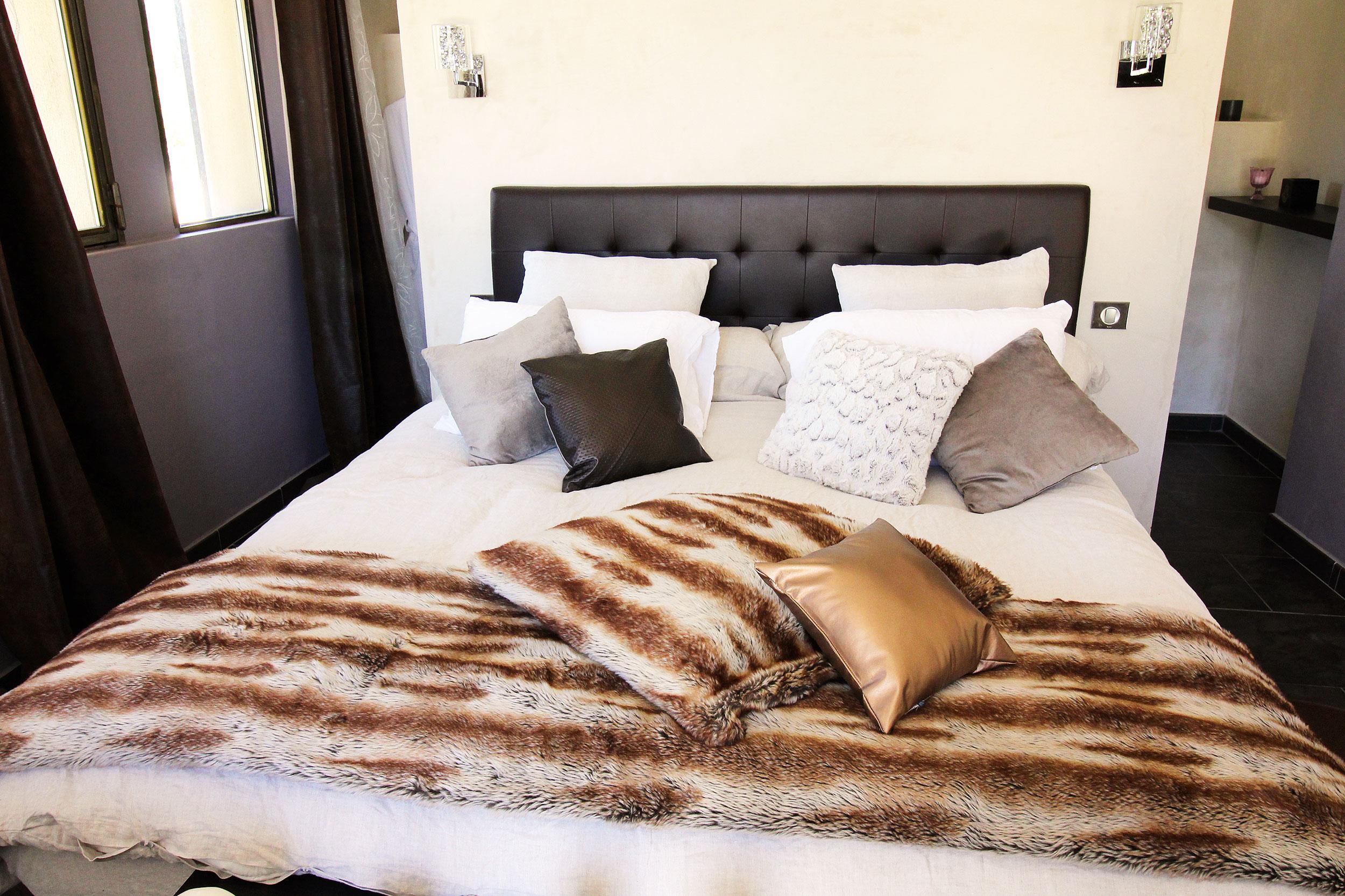 louer une chambre d 39 h tes dans les alpilles le mas des cigales. Black Bedroom Furniture Sets. Home Design Ideas