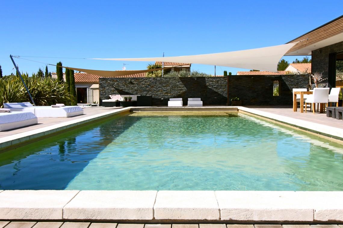 Weng le mas des cigales for Chambre hote piscine